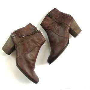 Bella Vita Ankle Heeled Bootie size 6.5 brown